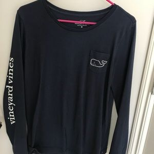 Navy blue vineyard vines shirt, size M